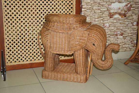 Слон-пуф плетеный из ротанга