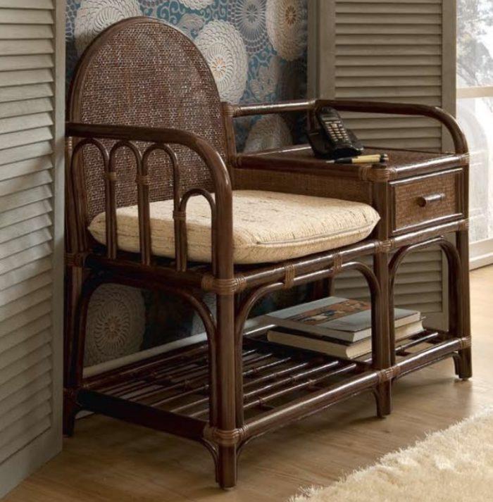 Кресло со столиком и полочкой из натурального ротанга
